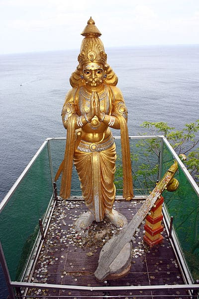 Ravanas statue at Koneswaram temple