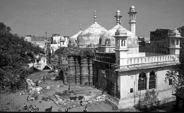 Kashi Vishwanath temple replaced by a mosque