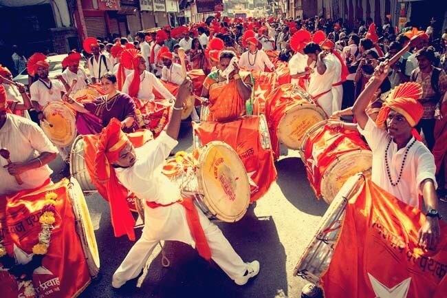 Dhol pathak performing on Gudi Padva